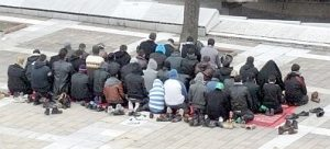Pleven: Libyans praying #1